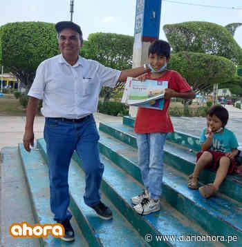 Vino desde Huarochiri a Pucallpa para entregar libros a su alumno - DIARIO AHORA