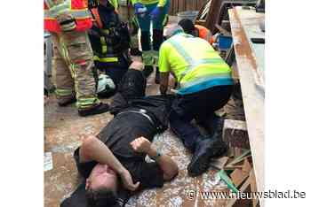 """Schrijnwerker gewond na ongeval met houten plank: """"Nu heb ik tijd om mijn administratie te doen"""" - Het Nieuwsblad"""