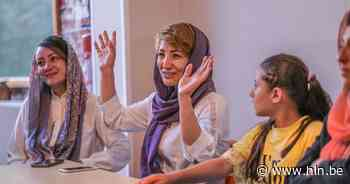 """Vredesstad Ieper vangt Afghaanse medewerkers Moeder voor Vrede op: """"We zijn heel dankbaar voor de hulp, maar we vrezen voor onze familie"""" - Het Laatste Nieuws"""