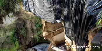 Paso cerrado en calle El Tobogán, Soyapango, por desprendimiento en bóveda - La Prensa Grafica