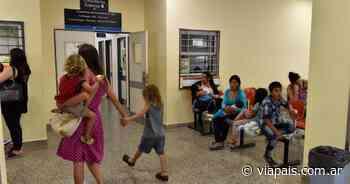 Puntanos pasan noches enteras en el Hospital de Villa Mercedes para conseguir un turno - Vía País