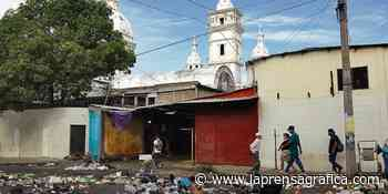 Basura inundó las calles céntricas de Zacatecoluca - La Prensa Grafica