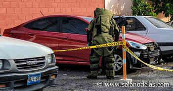 División de explosivos inspeccionan vehículo con reporte de robo en Apopa - Solo Noticias