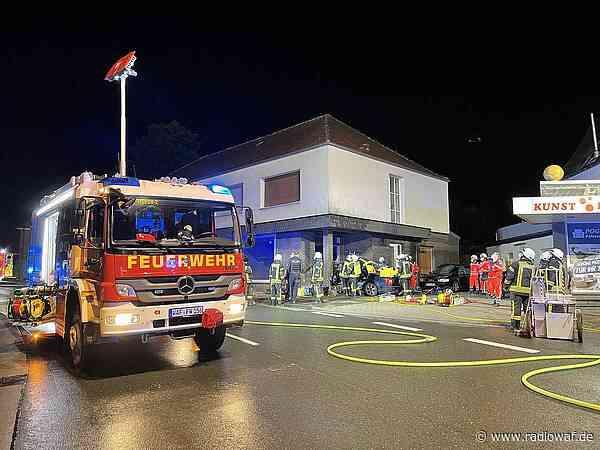 Auto kracht in Ennigerloh-Westkirchen in Haus - Radio WAF