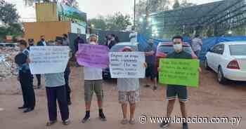 Vecinos de Lambaré se manifiestan frente a iglesia por alta polución sonora - La Nación