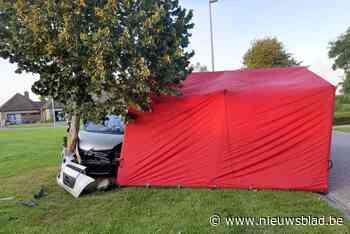 Vrouw overlijdt na hartaanval in wagen (Oostrozebeke) - Het Nieuwsblad