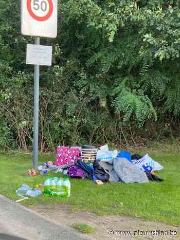 """Afval onder bordje 'verboden te sluikstorten' en tot tien adressen per vondst: """"Iemand provoceert"""""""
