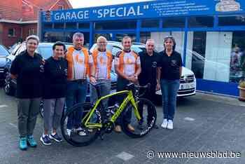 Kranige tachtiger fietst met twee kompanen 1.240 kilometer naar Lourdes: opbrengst gaat naar goed doel