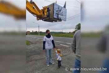 Protestactie tegen hoogspanningslijn tijdens Benelux Tour