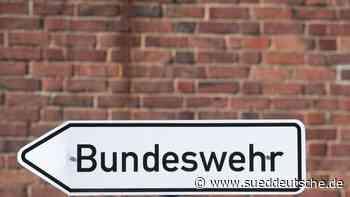 Appell der Bundeswehr: Haseloff in Bitterfeld-Wolfen - Süddeutsche Zeitung - SZ.de