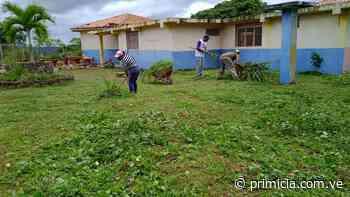 Vecinos limpiaron la escuela Porfirio Núñez en Upata - primicia.com.ve