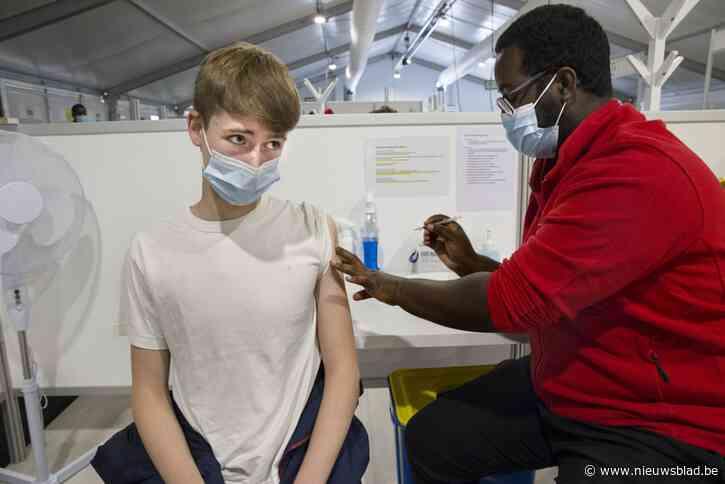 """Nog niet de helft van de jongeren in Vilvoorde en Machelen heeft een coronaprik gehad: """"We zullen onze laatste troefkaart moeten uitspelen:een vaccinatiecampagne in alle secundaire scholen"""""""
