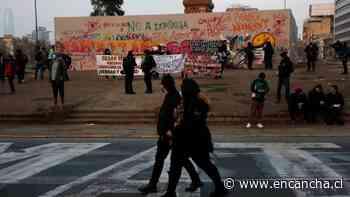 Nueva jornada de manifestaciones en Plaza Italia provoca cortes de tránsito en el centro de Santiago - EnCancha.cl