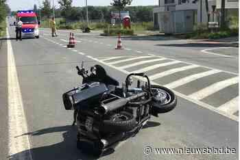 Koppel op Harley Davidson gewond na botsing met auto