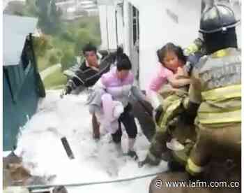Rompimiento de tubo madre perjudica a decenas de familias en Ciudad Bolívar - La FM
