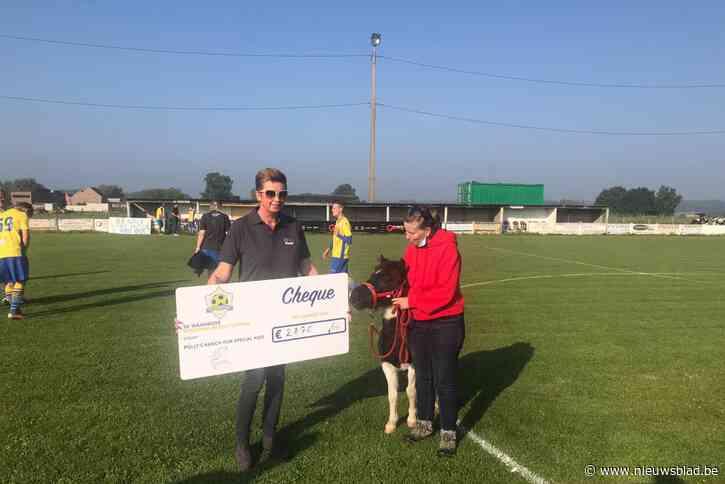 Mooie cheque voor Polly's Ranch dankzij memorialwedstrijd