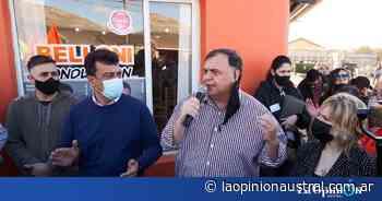 """Elecciones 2021. Javier Belloni a """"Kaky"""" González: """"El Calafate está lleno de gente que va a caminar con vos y que lo hace convencida"""" - La Opinión Austral"""