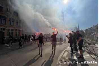 Stadscentrum plots onder de rook voor uitvaart Club-supporter