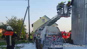 Schwarzenbach am Wald - Fahrzeug brennt völlig aus - Frankenpost
