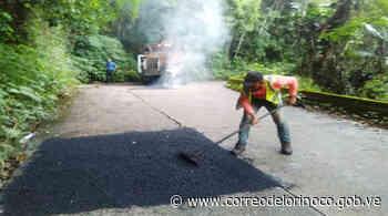 Gobierno Bolivariano despliega cuadrillas para labores de asfaltado en tramo Choroní-Maracay   - Correo del Orinoco