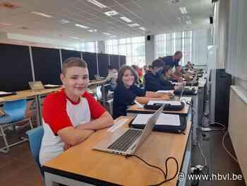 Leerlingen Campus MAX starten het schooljaar met een nieuwe laptop - Het Belang van Limburg