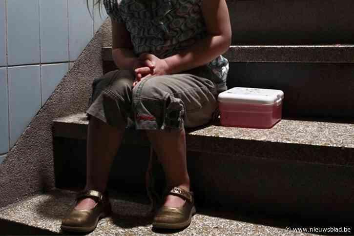 Koppel hongerde dochtertje zo uit dat ze moest stelen uit brooddozen van andere kinderen
