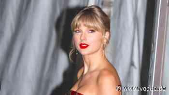 Taylor Swift ist jetzt bei TikTok – und sorgte dafür, dass dieses Kleid sofort ausverkauft war - VOGUE Germany