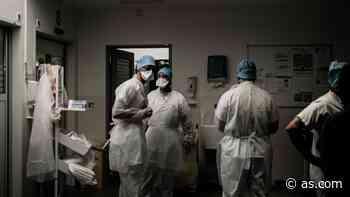 Suspendidos de empleo y sueldo 420 sanitarios en Italia por no vacunarse contra la COVID - AS