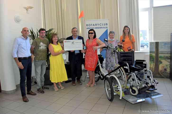 Wafels en gulle sponsors helpen wzc Onze Lieve Vrouw aan elektrische rolstoelfiets