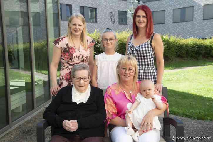 Moeder burgemeester viert dubbel viergeslacht