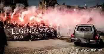 """Club Brugge-supporter krijgt passend afscheid in centrum Ieper: """"You'll Never Walk Alone"""" - Het Laatste Nieuws"""