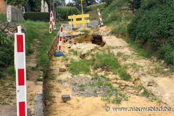 """Straat al twee maanden afgesloten door zinkgat: """"Oude riolering veroorzaakt problemen"""""""
