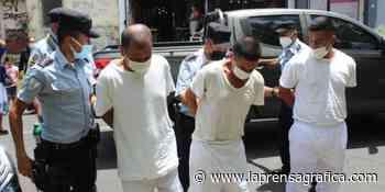 Caso Chalchuapa   Reafirman la detención provisional para tres imputados de ser cómplices del expolicía Hug... - La Prensa Grafica