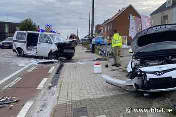 Twee gewonden naar ziekenhuis gevoerd na zware klap in Nieuwerkerken - Het Belang van Limburg