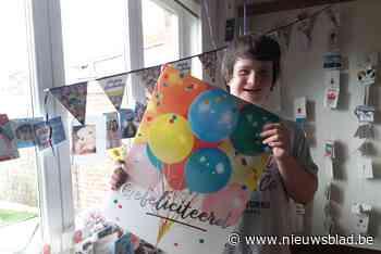 """Robin krijgt meer dan 200 kaartjes voor zijn verjaardag: """"Hij is zo blij, hij gaat de hele tijd de brievenbus checken"""" - Het Nieuwsblad"""
