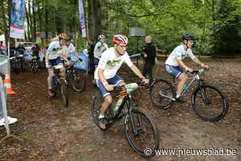 Mountainbikers trappen 210.000 euro bijeen voor kankeronderzoek