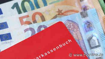 Regenstauf: Rentner findet Sparbuch mit 45.000 Euro Einlage - t-online.de