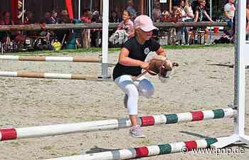 """""""Hobby-Horsing"""": Mit dem Steckenpferd durch den Parcours - Passauer Neue Presse"""