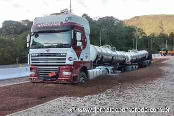 Vídeo: Área de Escape evita acidente envolvendo carreta com 48 toneladas de ácido sulfúrico - Jornal de Pomerode