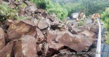 Derrumbe en carretera que conduce a Jujutla, en Ahuachapán - Solo Noticias