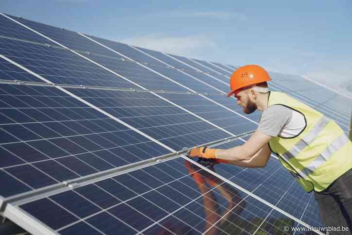Daken van openbare gebouwen krijgen zonnepanelen en iedereen kan daar aan verdienen