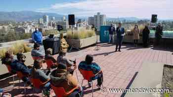 Ciudad entregó escrituras a familias de los barrios La Favorita y San Martín - Mendovoz