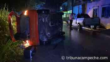 Vuelca carro en Santa Lucía - Tribuna Campeche