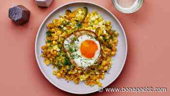 Garlicky Smashed Chickpeas With Corn