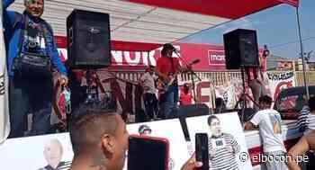 Hinchas de Universitario realizaron concierto fuera del Monumental, sin mascarillas y con parlantes [VIDEO] - El Bocón