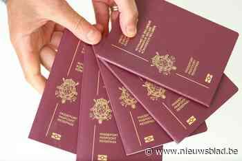 Man biedt zich bij dienst Burgerzaken aan met vals paspoort - Het Nieuwsblad