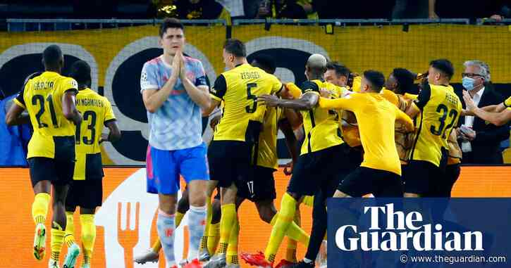 Lingard gifts Young Boys late winner against 10-man Manchester United