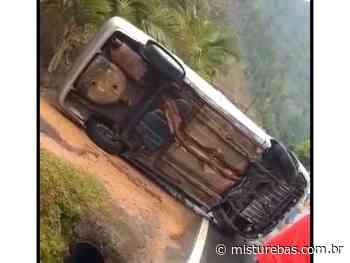 Condutor perde controle do veículo e capota na SC 110 entre Pomerode e Rio dos Cedros - Misturebas