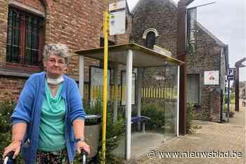 """Christine (63) ziet straks nog nauwelijks bussen passeren: """"Dan word ik opgesloten in mijn eigen dorp"""""""