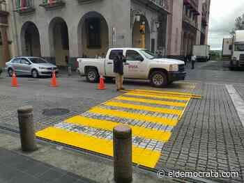 Trabajan en señalización en avenidas de Xalapa – El Democrata - El Demócrata